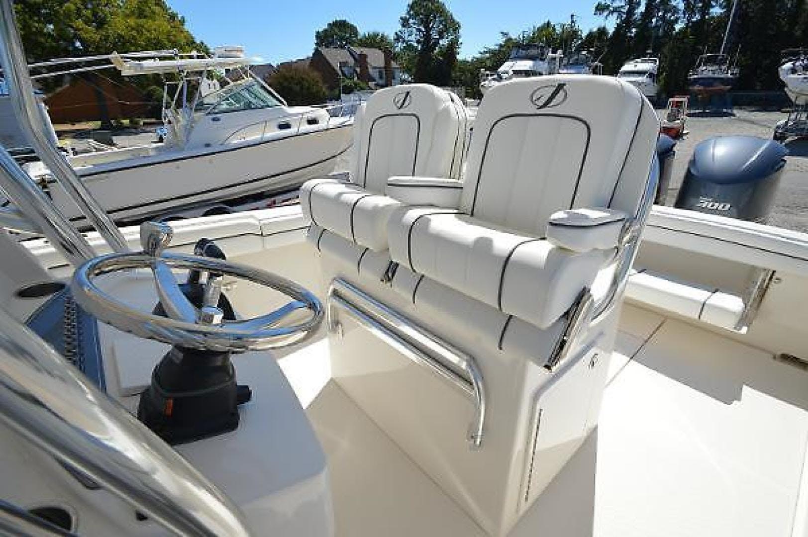 2016 Jupiter 30' 30 Hybrid Forward Seating Traveller  | Picture 4 of 51