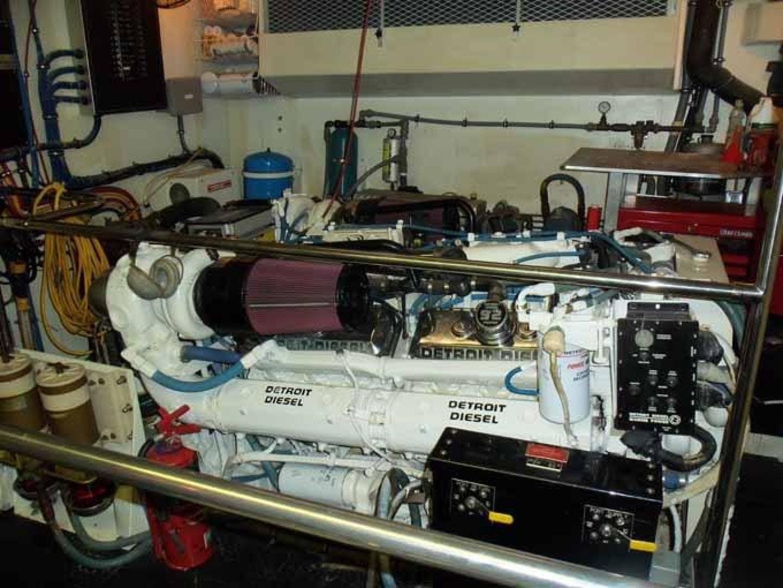 1996 Hatteras 74' Motoryacht Sport Deck DUCHESS | Picture 5 of 81