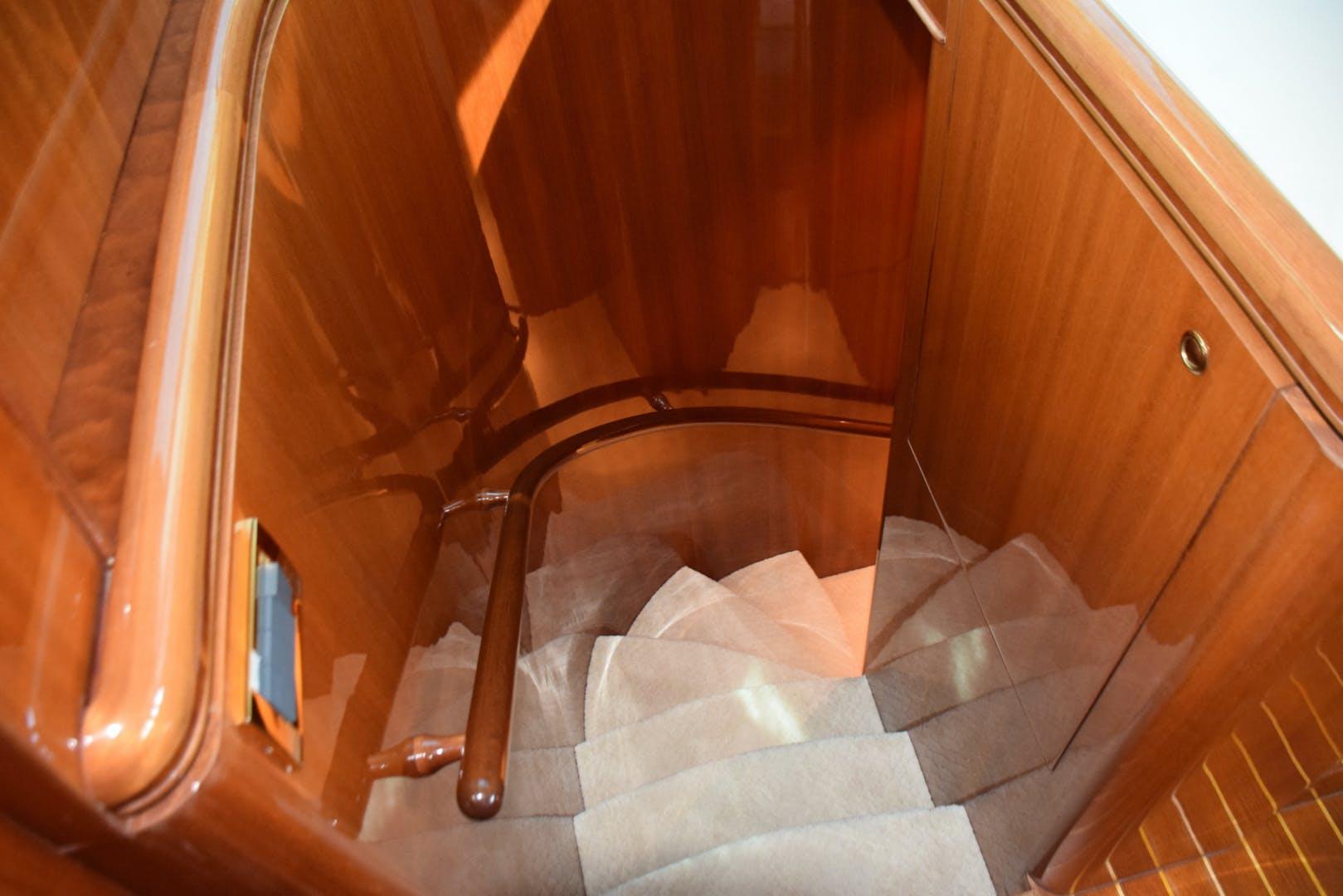 2005 Horizon 76' 76' Open Flybridge SWEET JANINE   Picture 2 of 75