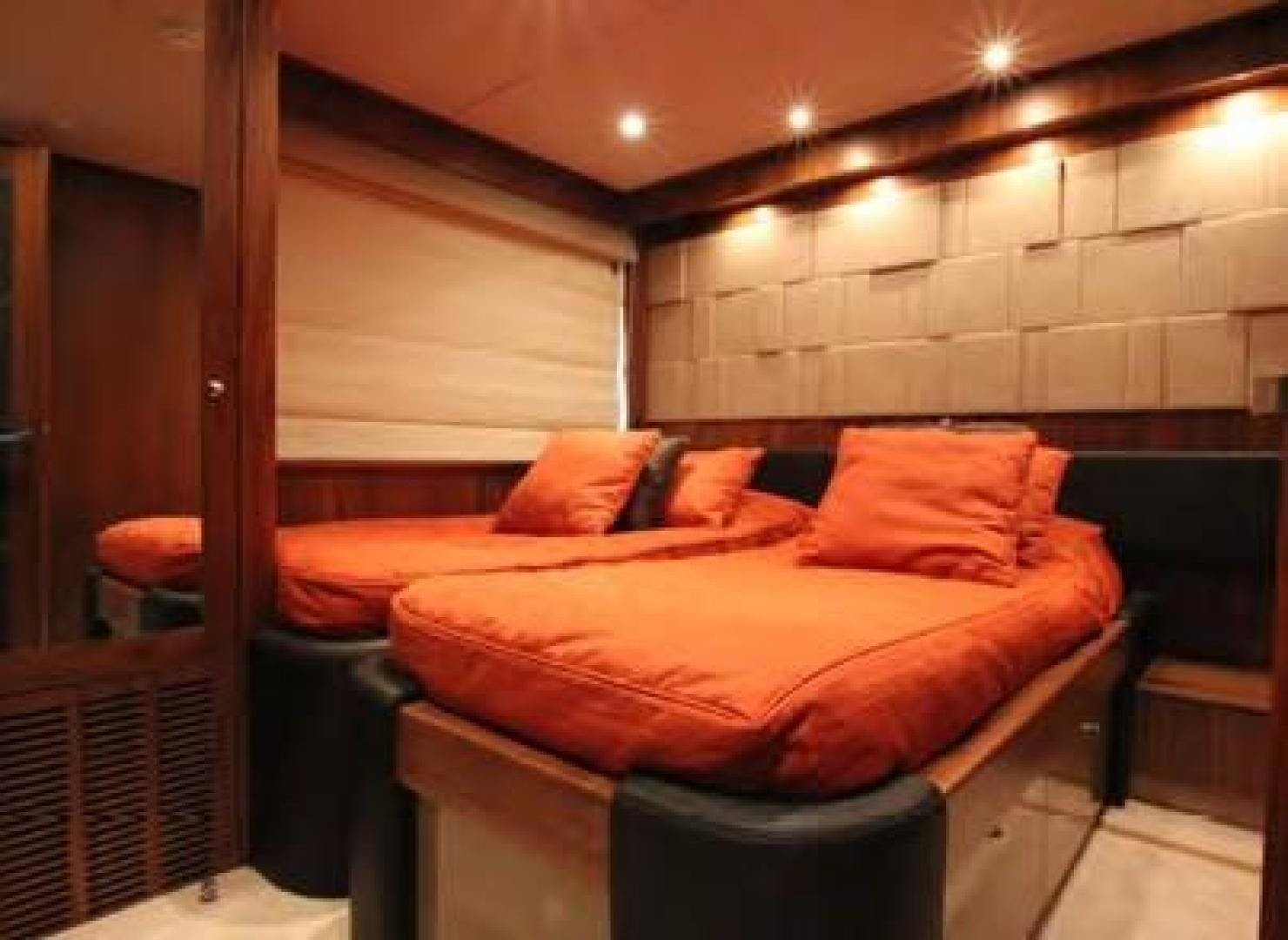 2009 Sunseeker 88' Flybridge Motoryacht ANNABEL | Picture 7 of 26