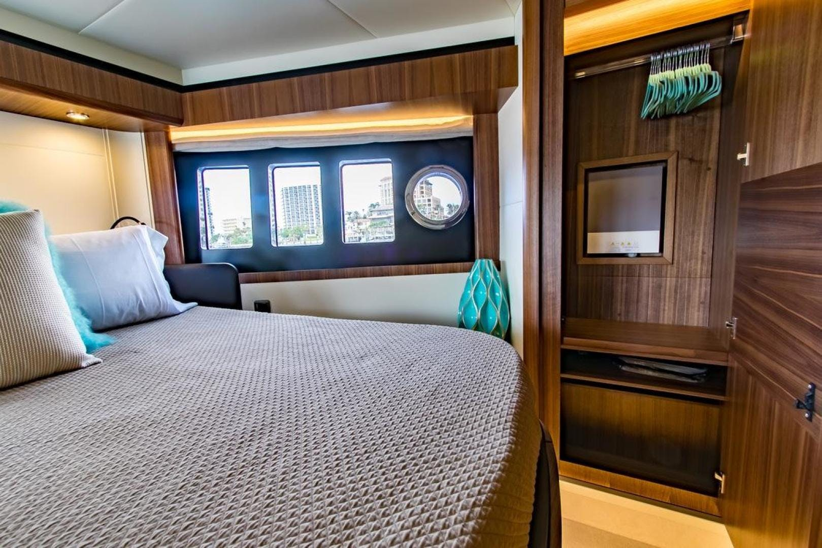 2018 Absolute 58' NAVETTA  | Picture 5 of 49