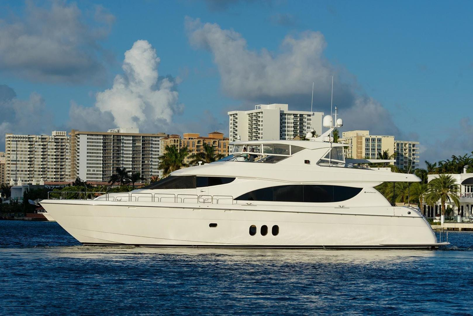 2013 Hatteras 80' 80 Motor Yacht  | Picture 1 of 66