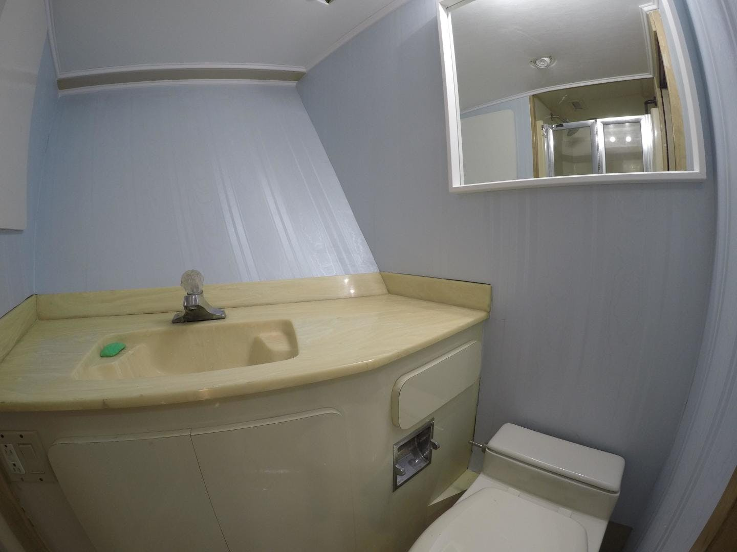 1989 Broward 104' Cockpit Motor Yacht ISABELLA   Picture 6 of 74