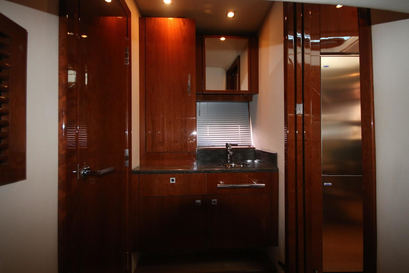 2012 Sea Ray 47' 470 Sundancer IN DEEP | Picture 2 of 29