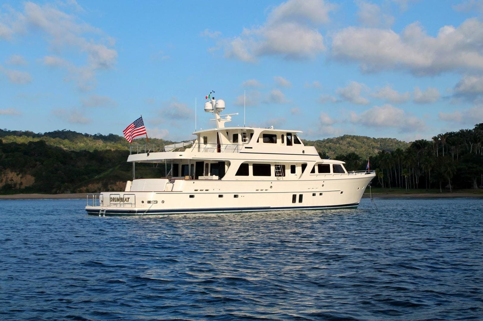 2013 Offshore Yachts 90' Voyager Drumbeat | Picture 6 of 42