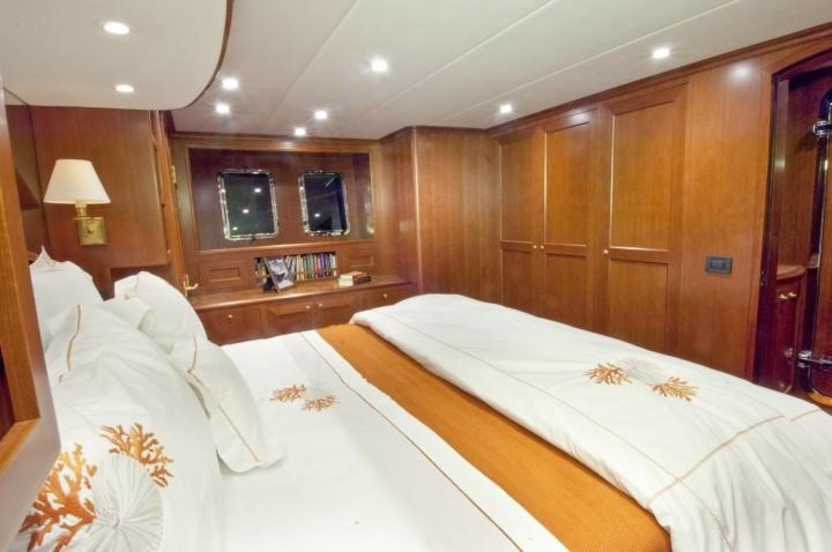 2013 Offshore Yachts 90' Voyager Drumbeat | Picture 3 of 42