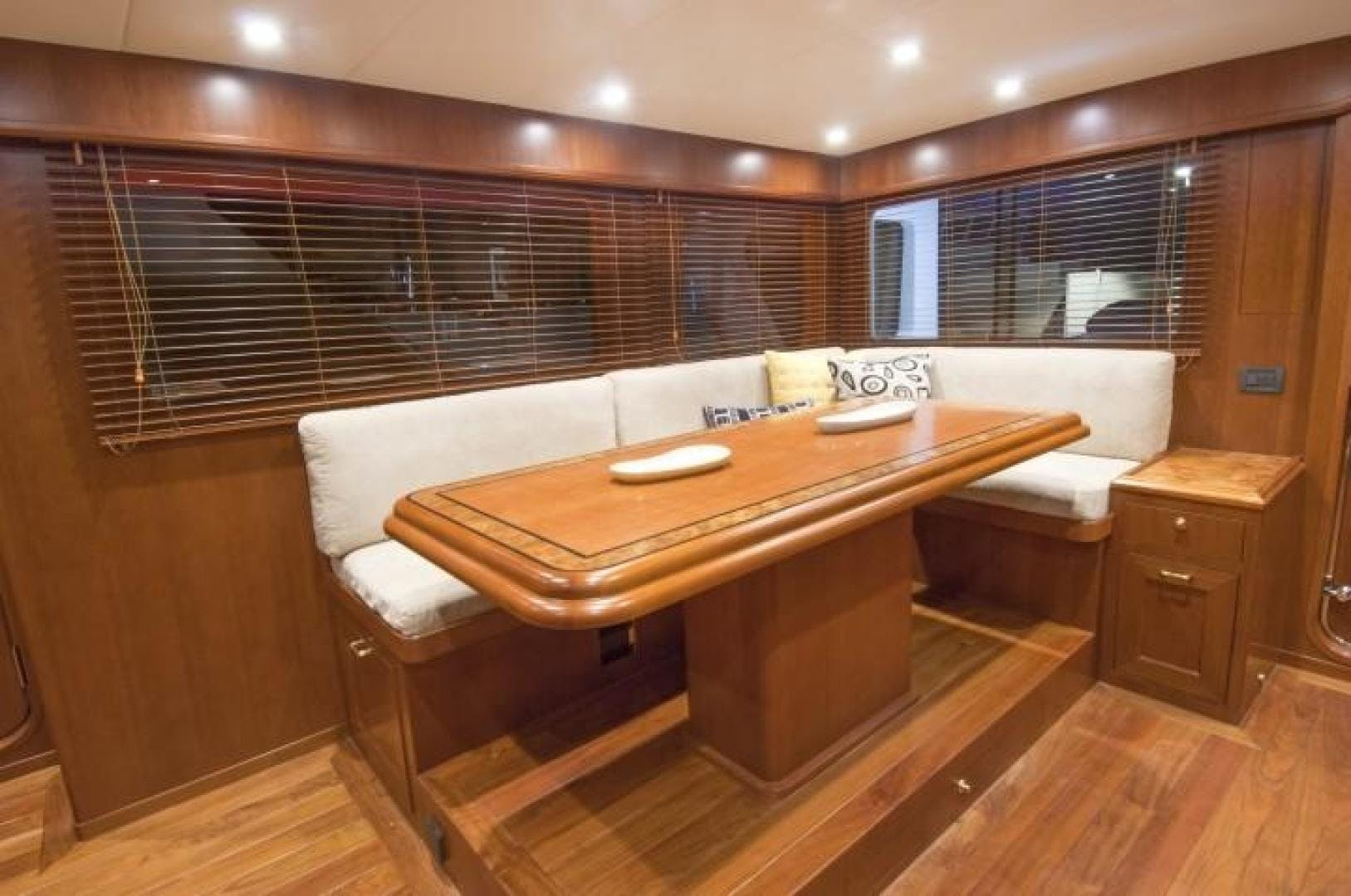 2013 Offshore Yachts 90' Voyager Drumbeat | Picture 7 of 42