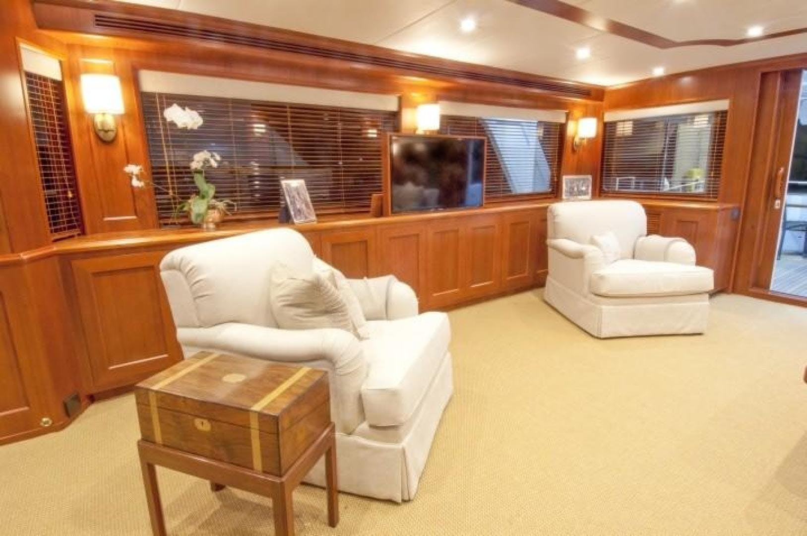 2013 Offshore Yachts 90' Voyager Drumbeat | Picture 2 of 42