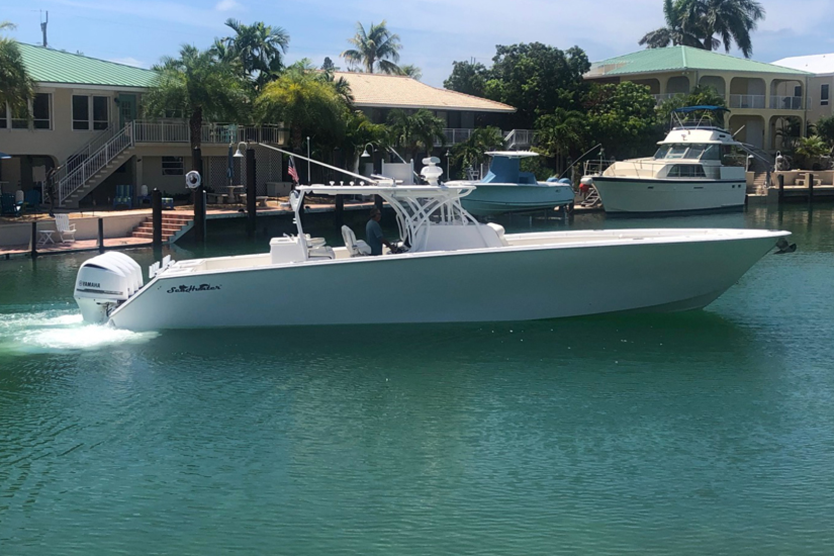 45' SeaHunter 2016 45 Center Console No Name
