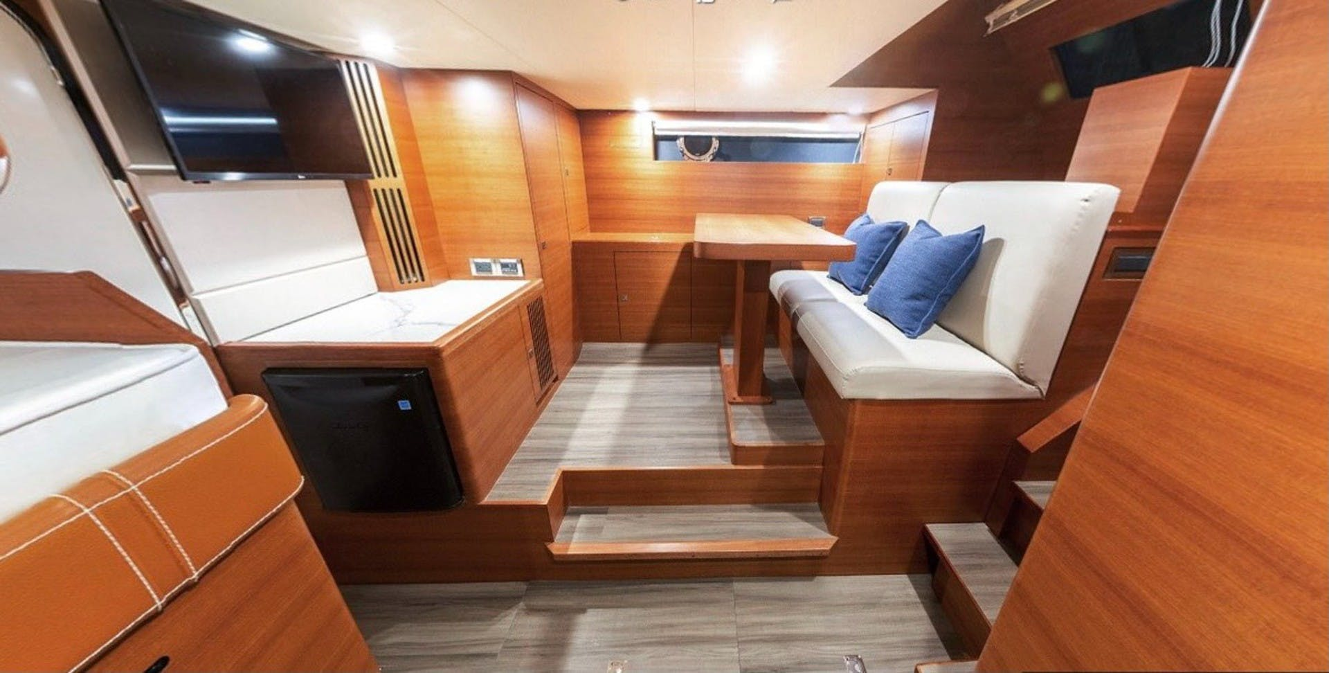 2022 Dyna Yachts 63' Flybridge    Picture 6 of 35