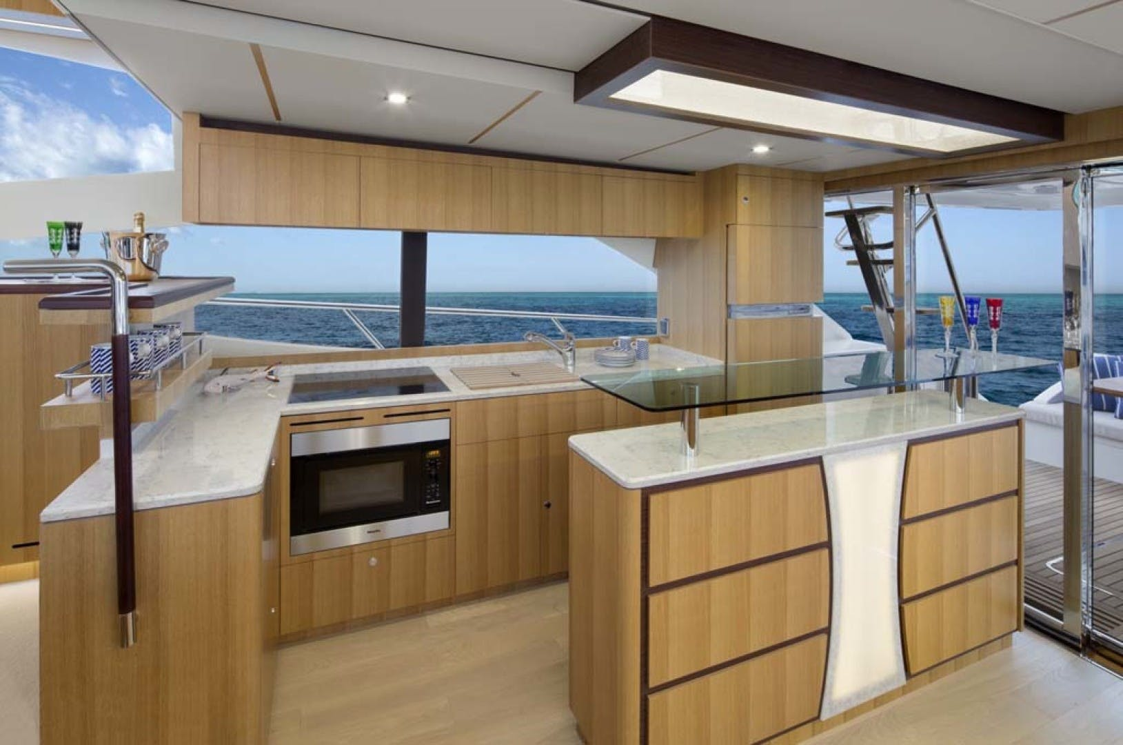 2021 Dyna Yachts 63' Flybridge    Picture 8 of 36