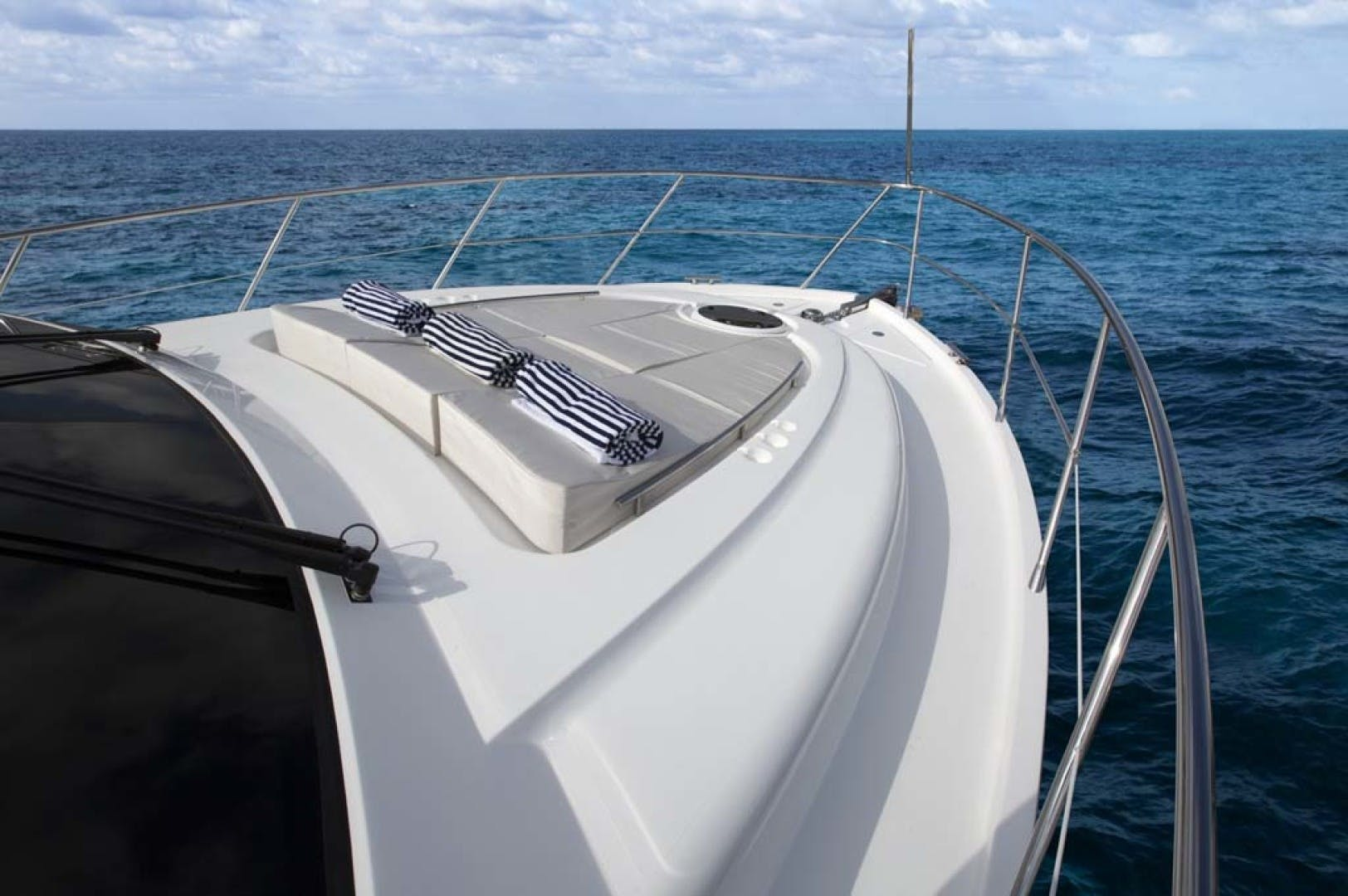 2021 Dyna Yachts 63' Flybridge    Picture 7 of 36