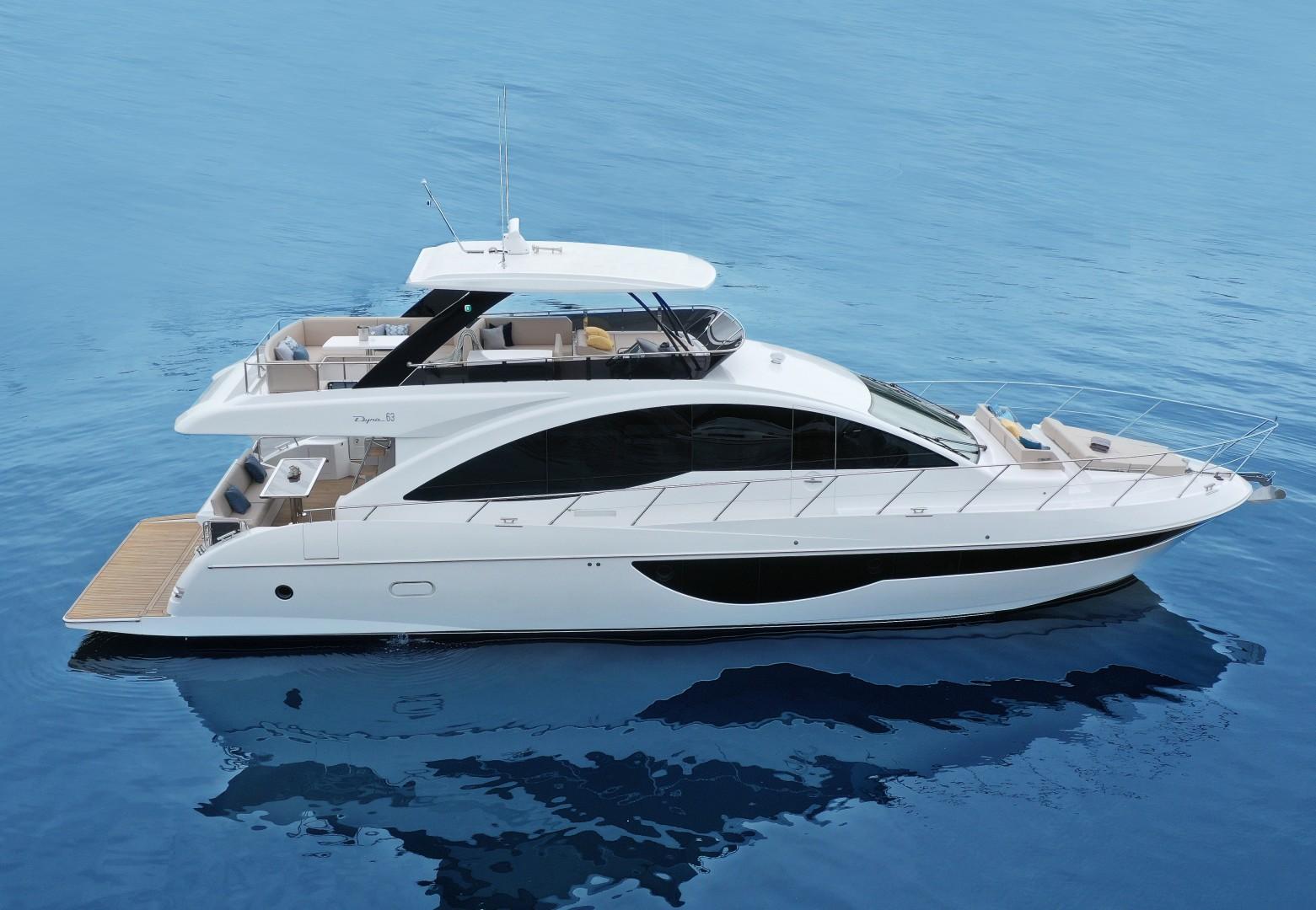 2022 Dyna Yachts 63' Flybridge