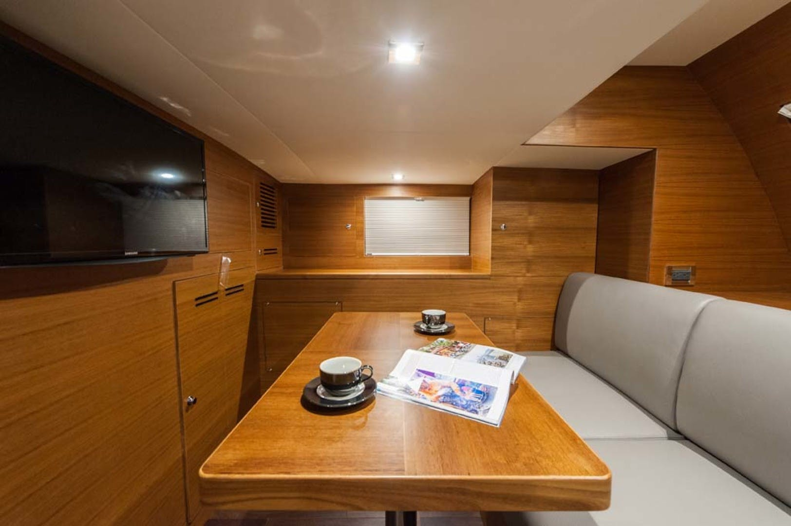2021 Dyna Yachts 63' Flybridge    Picture 6 of 36