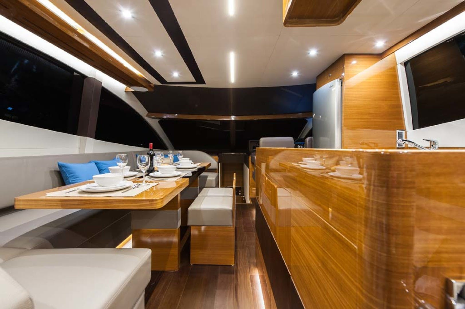 2021 Dyna Yachts 63' Flybridge    Picture 5 of 36