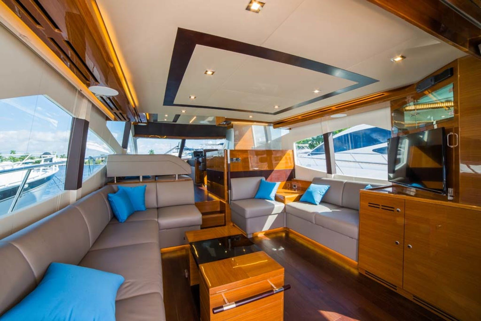 2021 Dyna Yachts 63' Flybridge    Picture 1 of 36