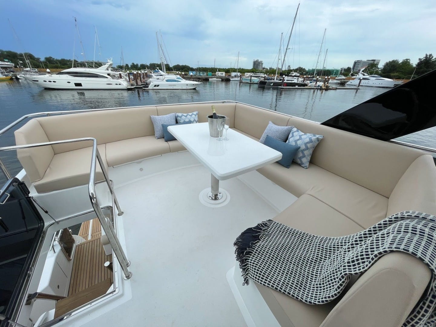 2022 Dyna Yachts 63' Flybridge    Picture 5 of 35