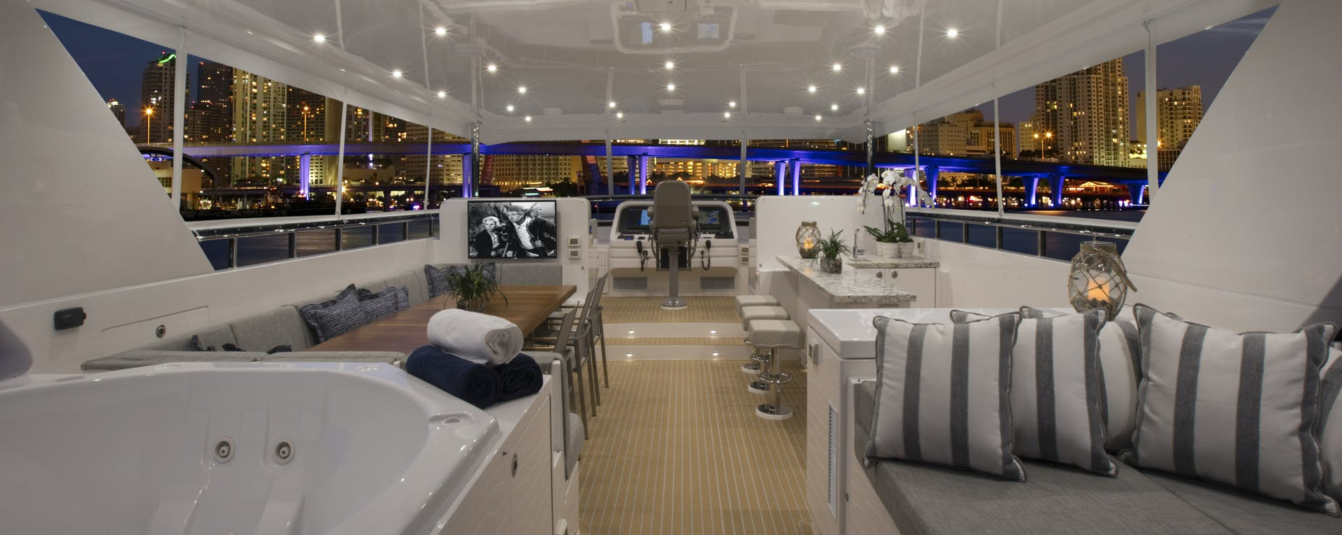2016 Hargrave 95' Flush Deck FREEDOM   Picture 4 of 39