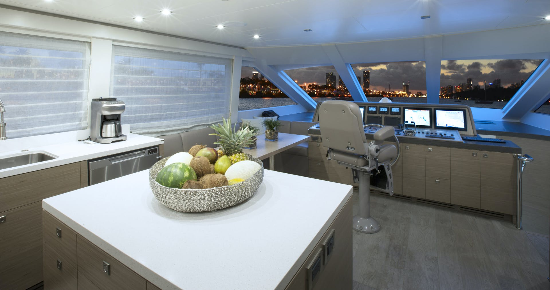 2016 Hargrave 95' Flush Deck FREEDOM   Picture 1 of 39
