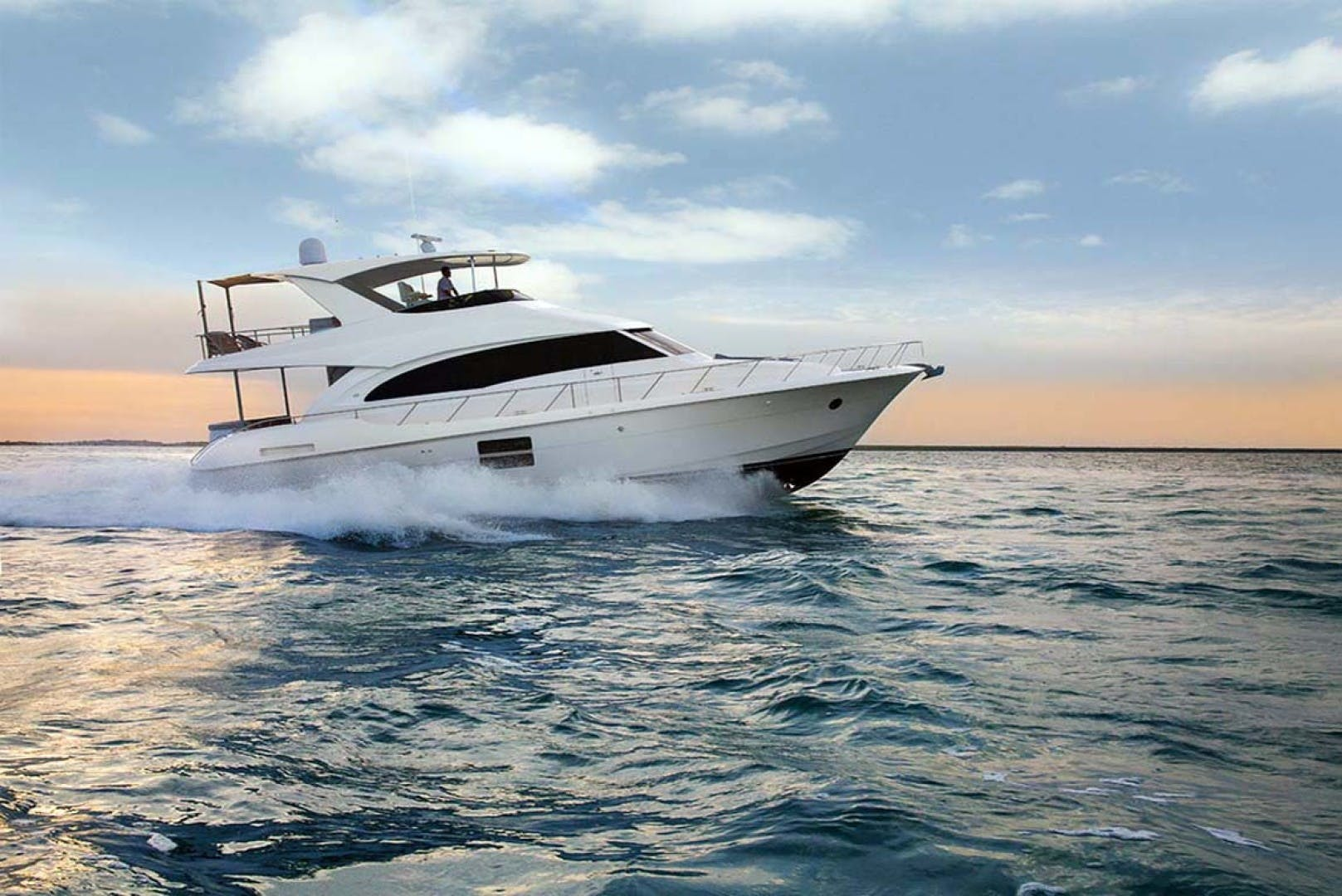 2022 Hatteras 60' M60  | Picture 2 of 18