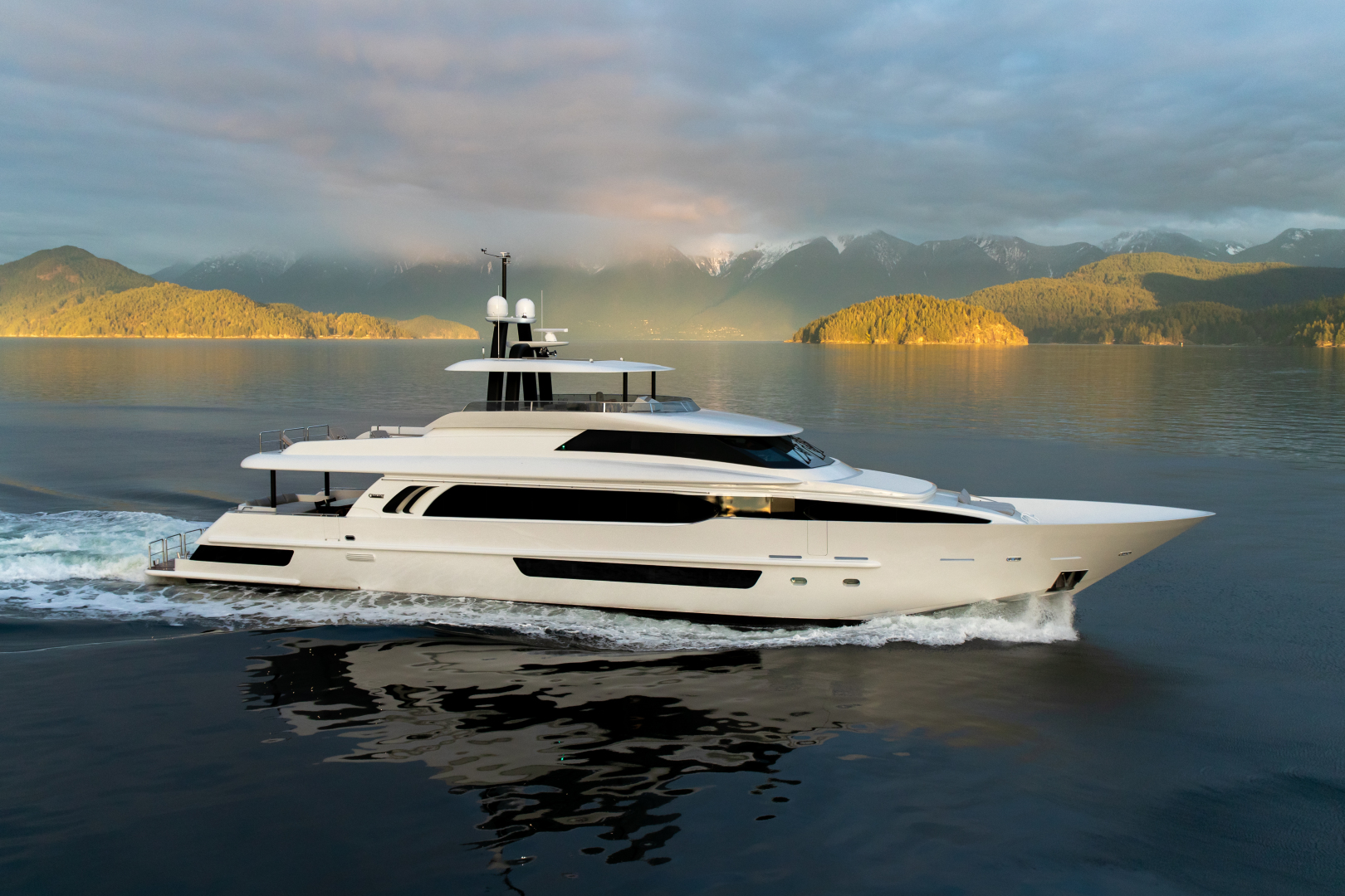 117' Crescent 2020 Custom Fast Pilothouse Yacht CRESCENT 117