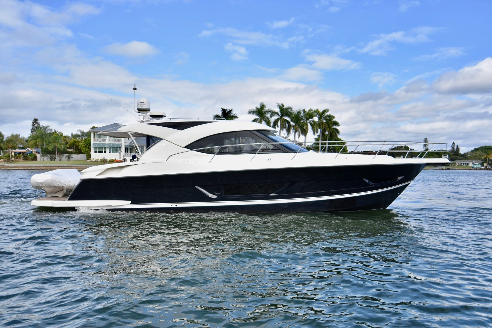 2015 Riviera 44' 44 Sport Yacht Gail Force | Picture 5 of 40