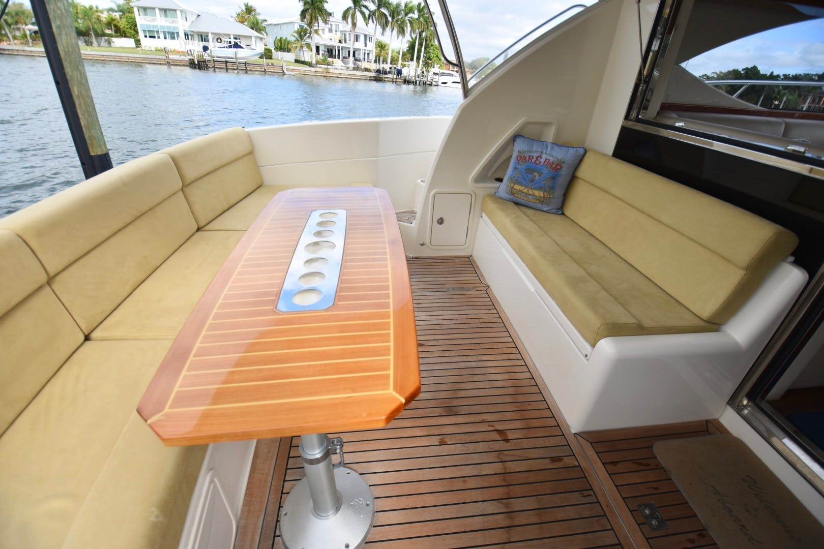 2015 Riviera 44' 44 Sport Yacht Gail Force | Picture 7 of 40