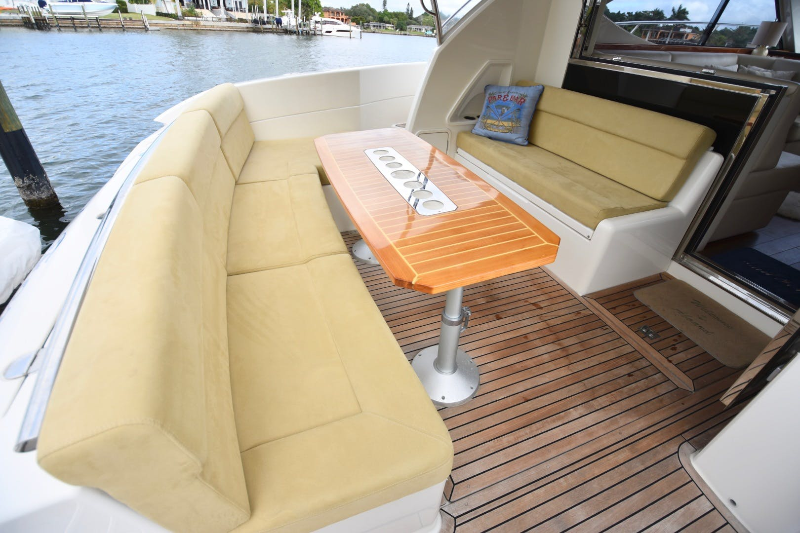 2015 Riviera 44' 44 Sport Yacht Gail Force | Picture 6 of 40