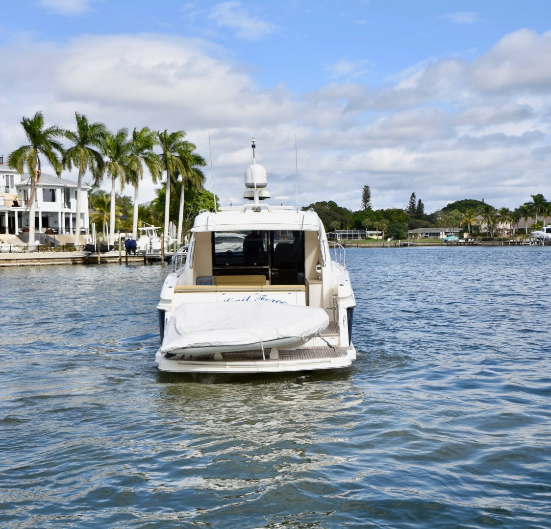 2015 Riviera 44' 44 Sport Yacht Gail Force | Picture 8 of 40