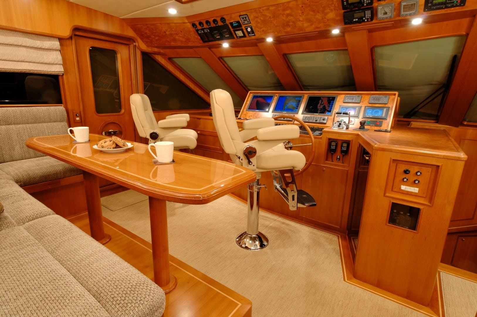 2020 Offshore Yachts 76' 76/80 Motoryacht    Picture 7 of 10