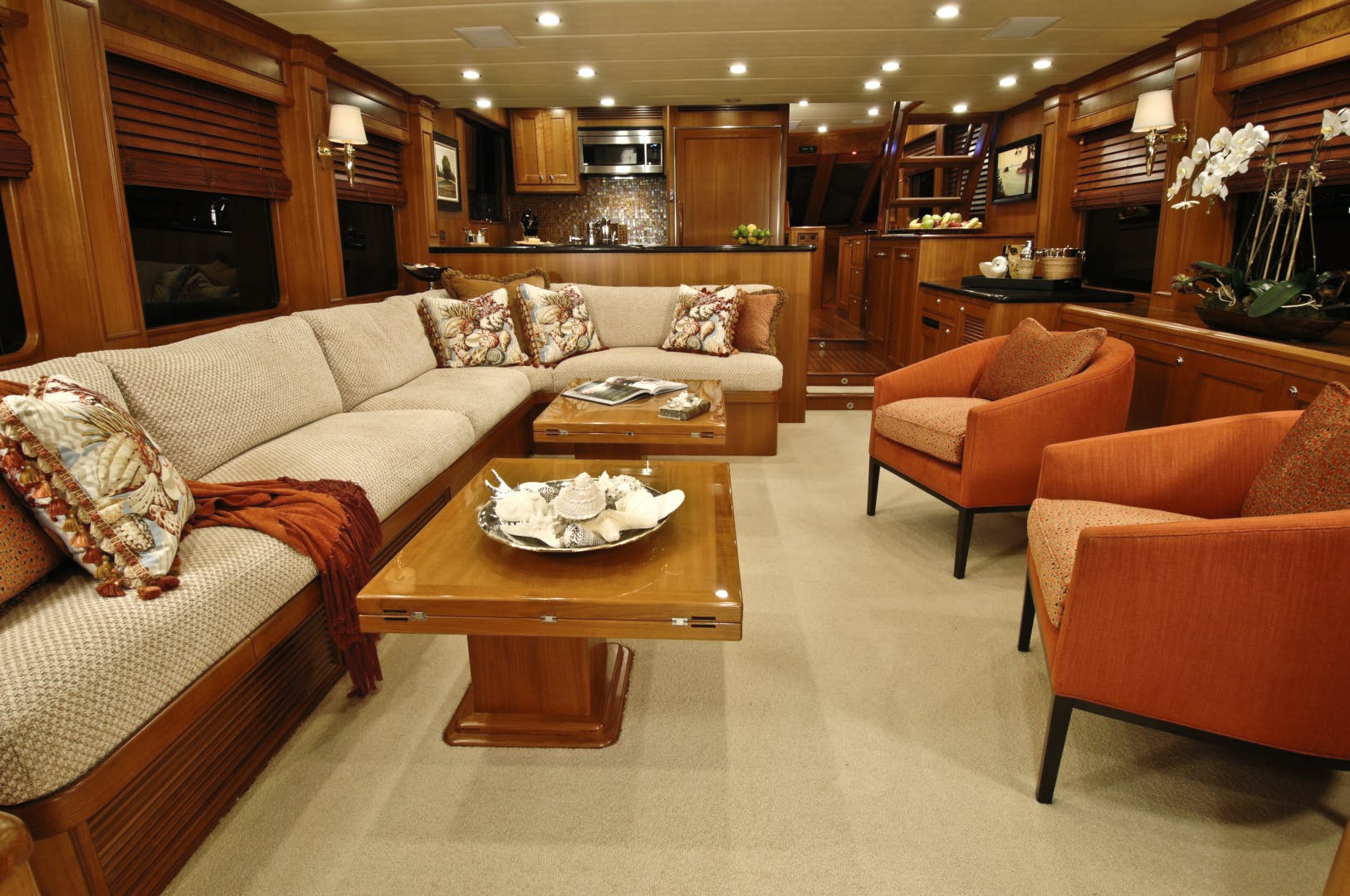 2020 Offshore Yachts 76' 76/80 Motoryacht    Picture 4 of 10