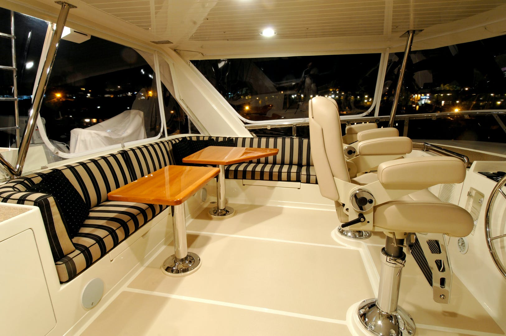 2020 Offshore Yachts 76' 76/80 Motoryacht    Picture 1 of 10