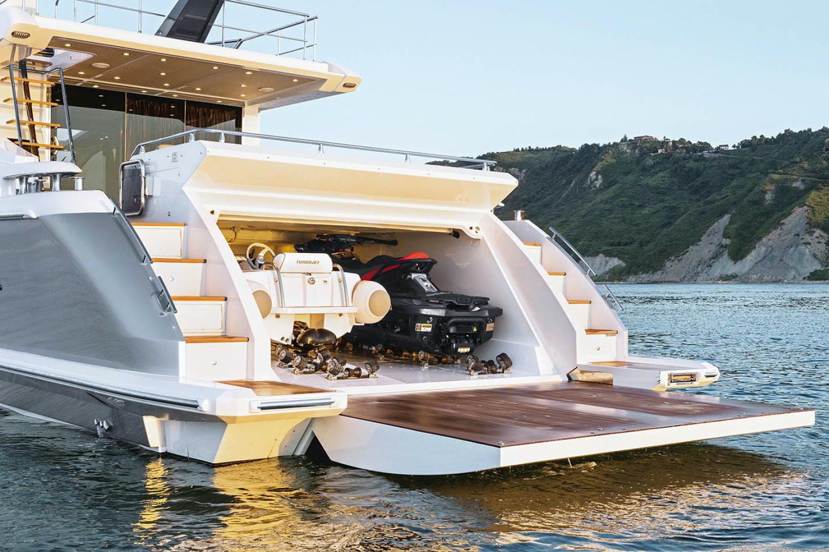 2018 Azimut 77' 77S  | Picture 1 of 22