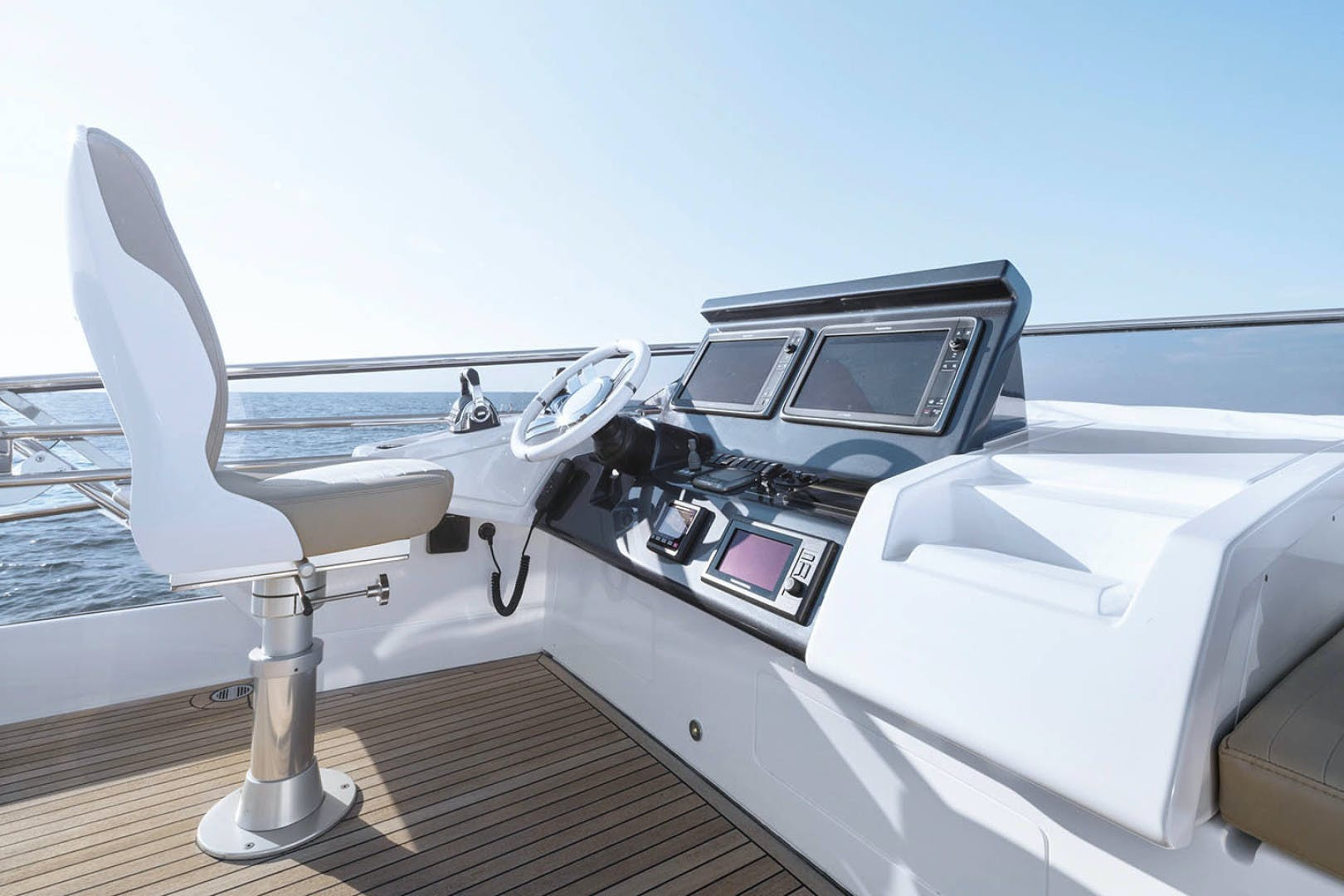 2018 Azimut 77' 77S  | Picture 7 of 22