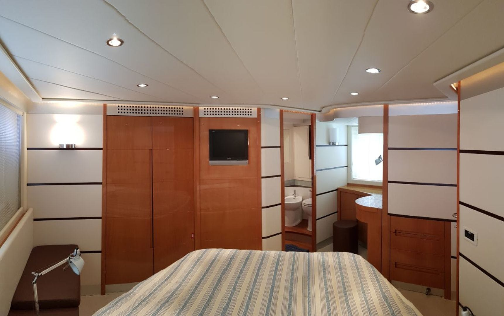 2007 Pershing 62' 62  | Picture 5 of 19
