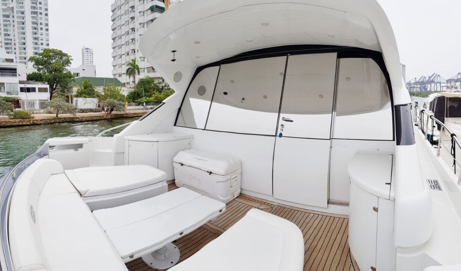 2007 Pershing 62' 62  | Picture 4 of 19