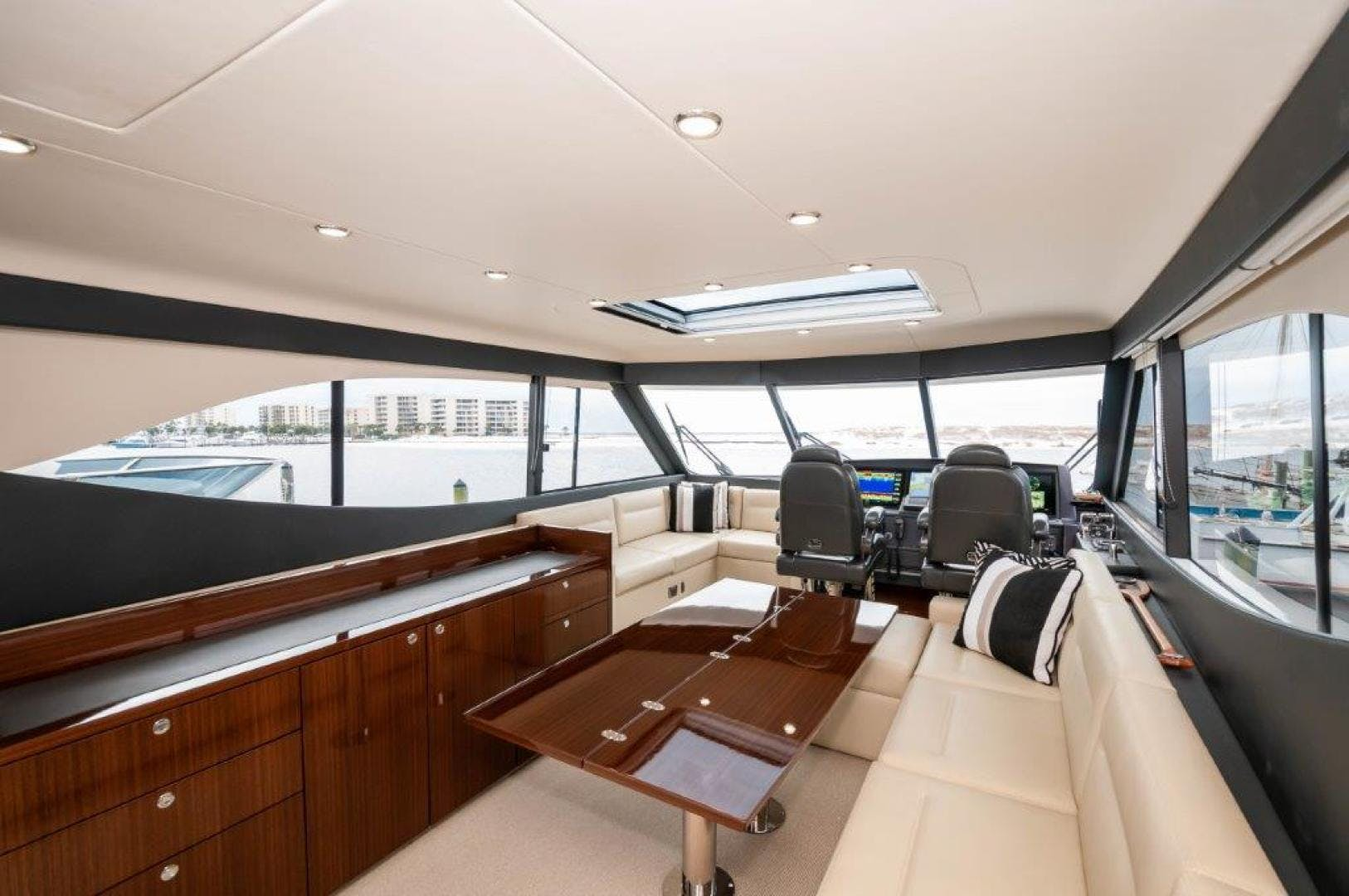 2016 Maritimo 70' M70 After Five | Picture 2 of 74