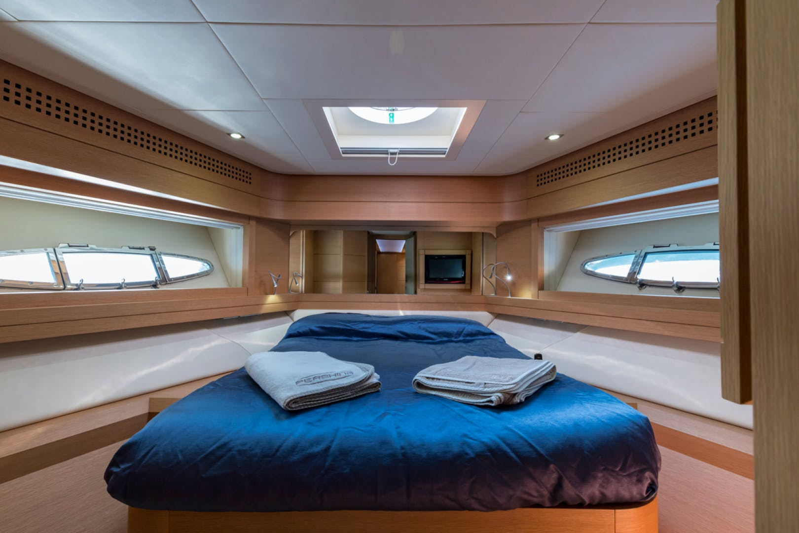 2010 Pershing 80' 80 LOUNOR | Picture 7 of 29