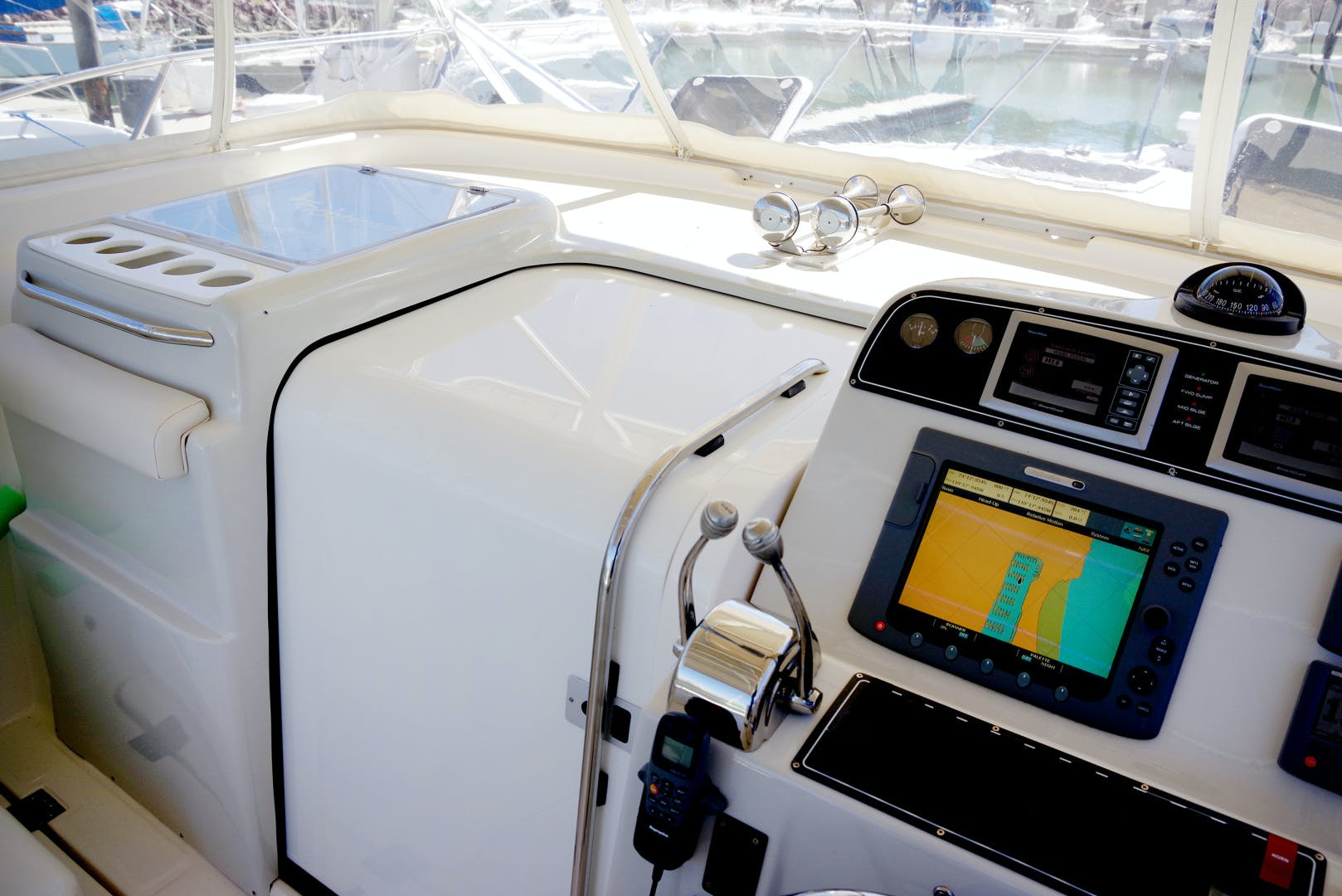 2009 Tiara Yachts 32' 32 Open Solana | Picture 7 of 34