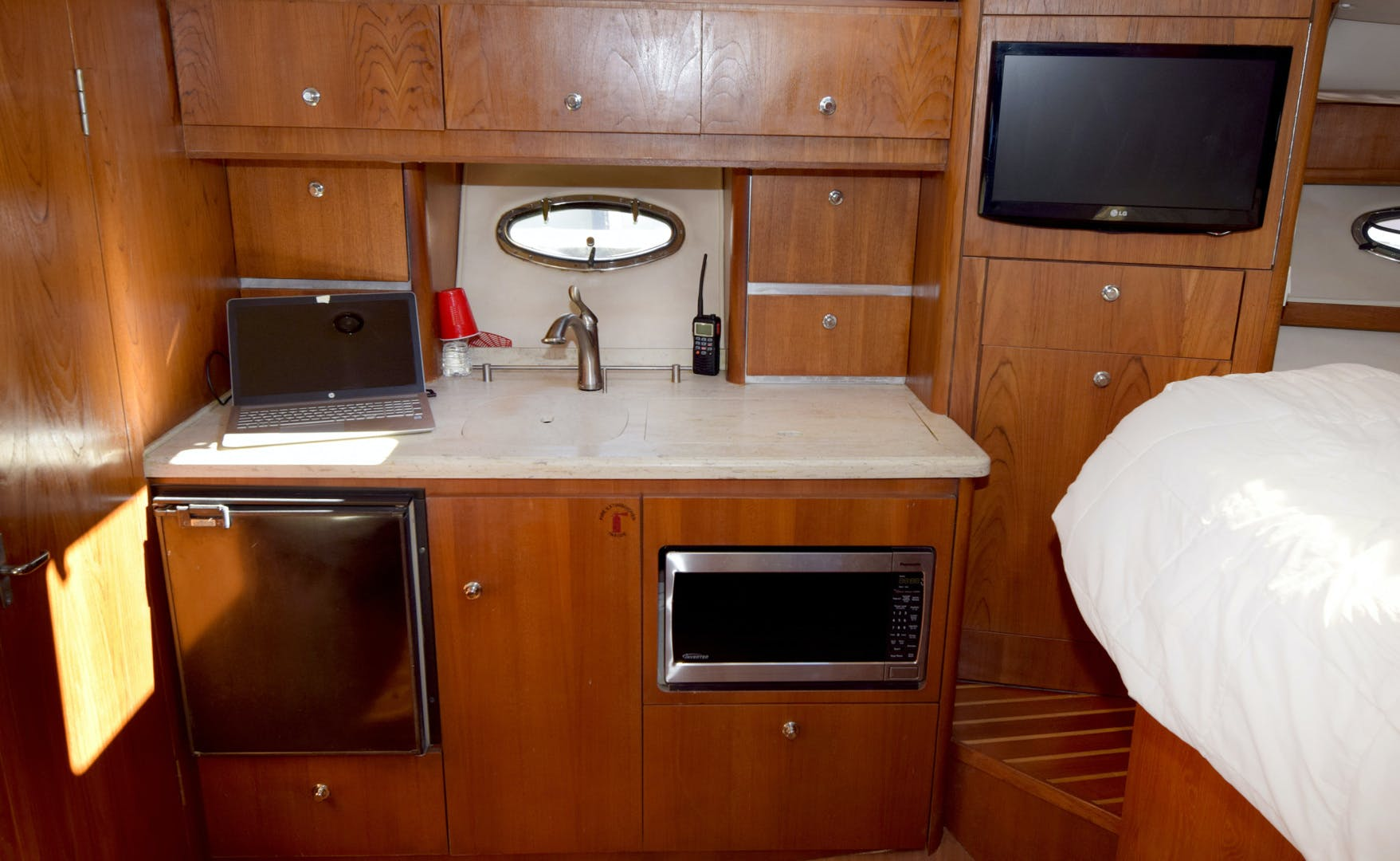 2009 Tiara Yachts 32' 32 Open Solana | Picture 6 of 34