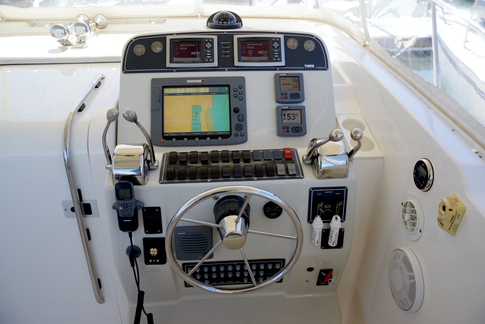 2009 Tiara Yachts 32' 32 Open Solana | Picture 8 of 34