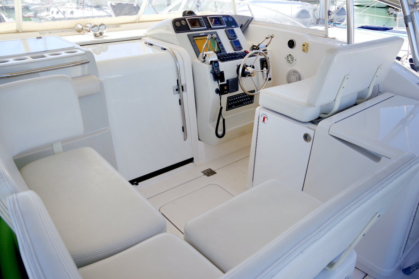 2009 Tiara Yachts 32' 32 Open Solana | Picture 5 of 34