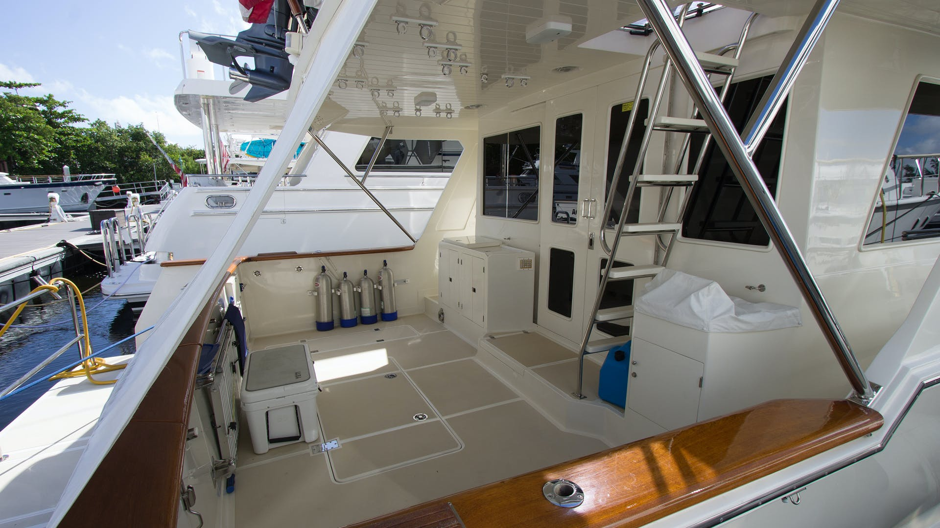 2001 Offshore Yachts 62' Pilothouse Sandman II   Picture 3 of 25
