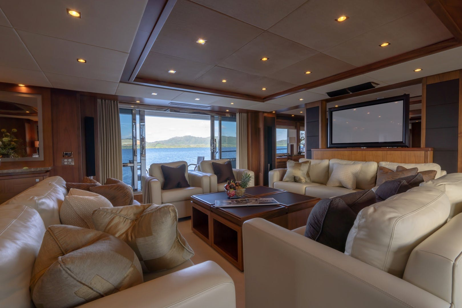 2010 Sunseeker 131' 40 M Yacht  TANVAS | Picture 1 of 56