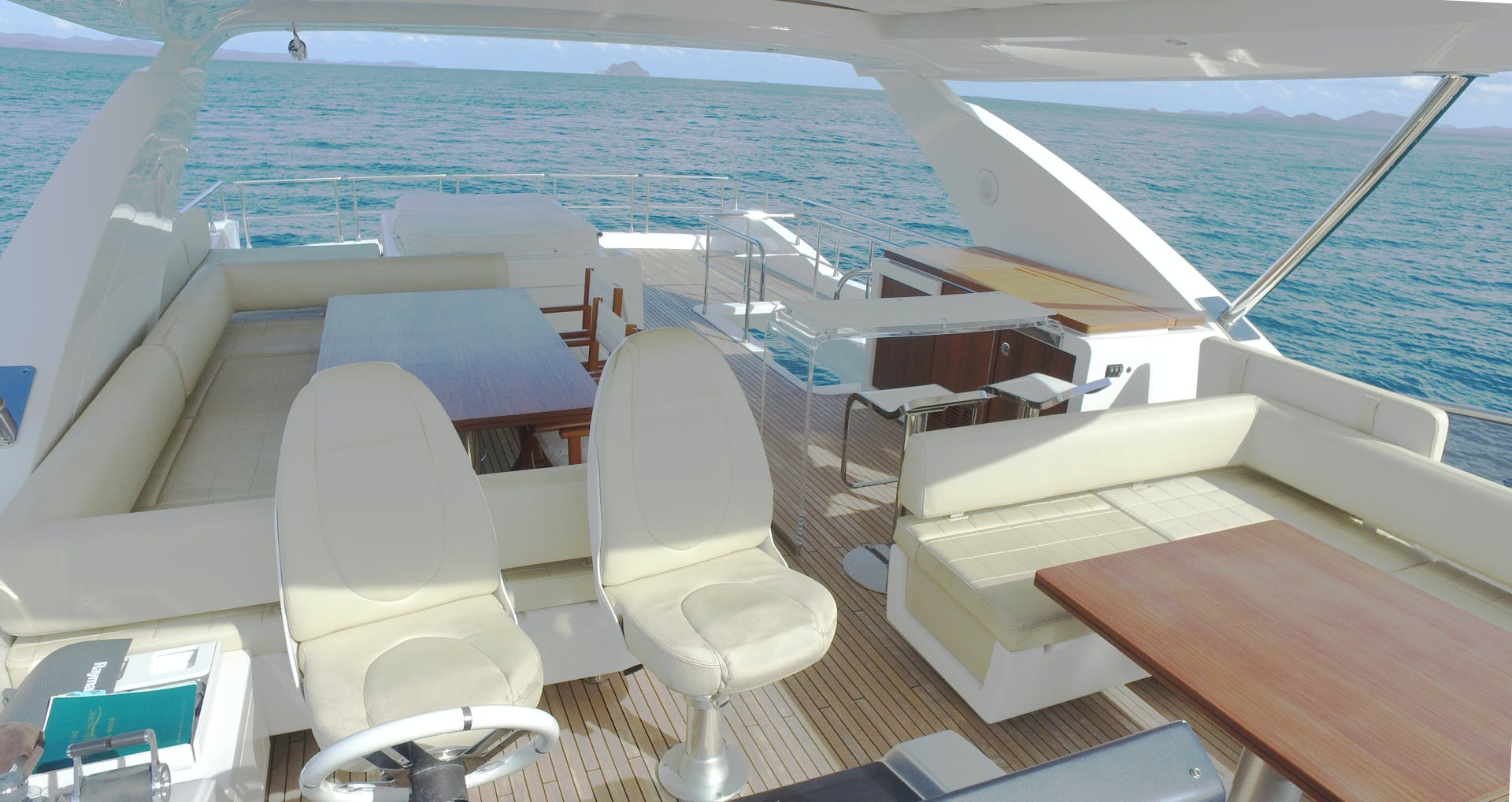 2016 Azimut 83'  OKS | Picture 3 of 34