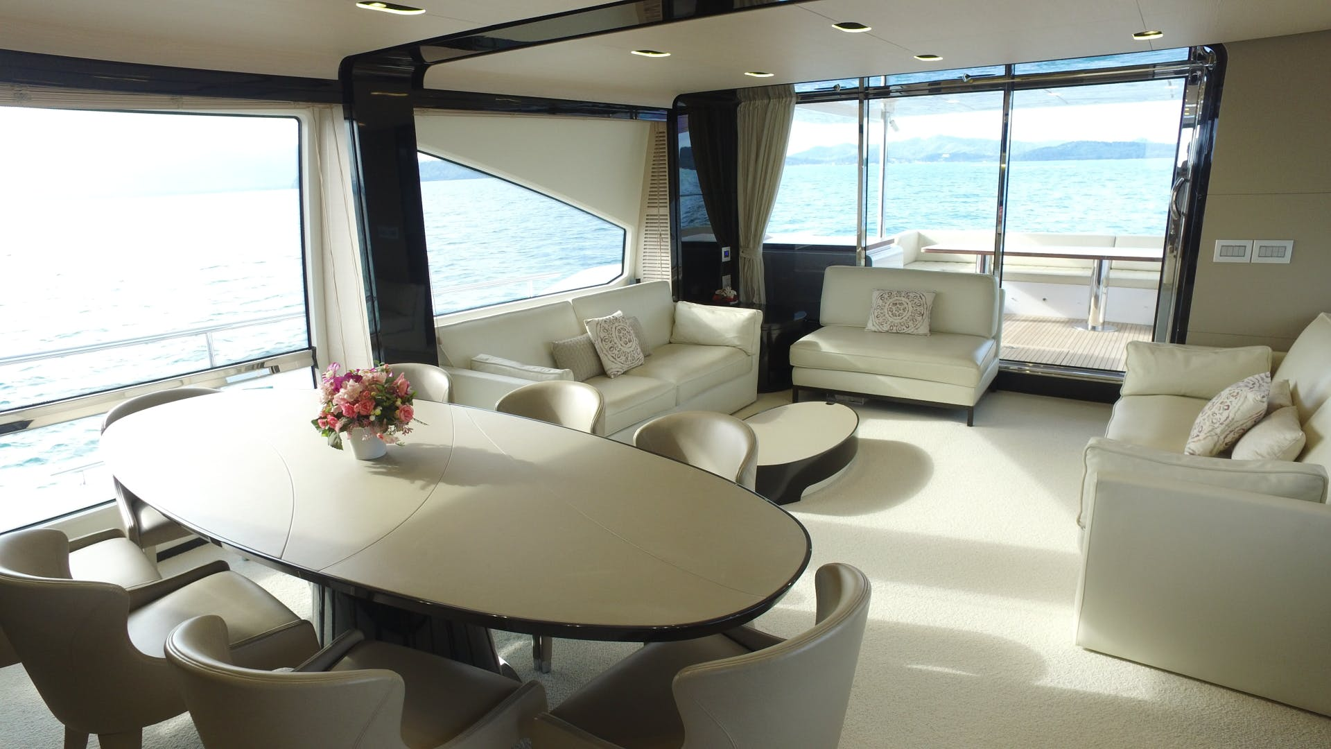 2016 Azimut 83'  OKS | Picture 8 of 34