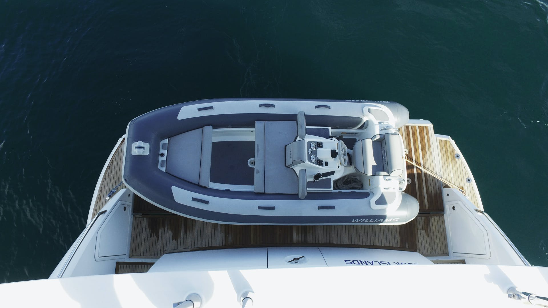 2016 Azimut 83'  OKS | Picture 2 of 34