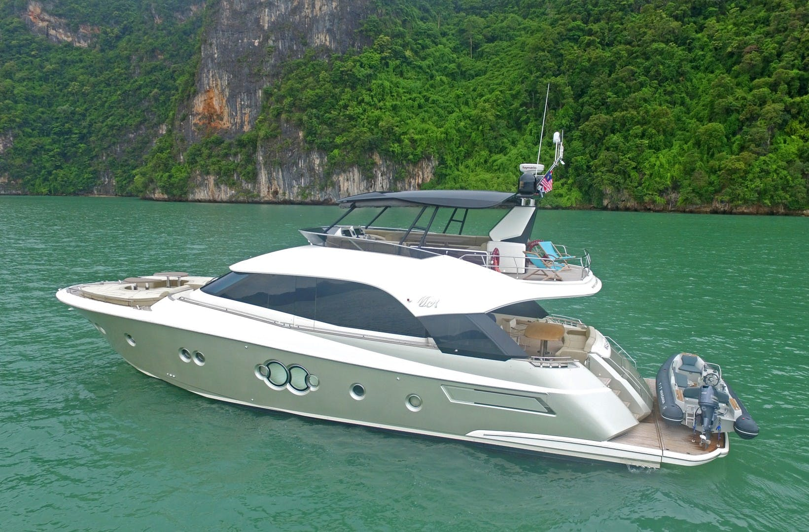 2015 Monte Carlo Yachts 70' Monte Carlo Yachts 70 Wasana | Picture 2 of 36