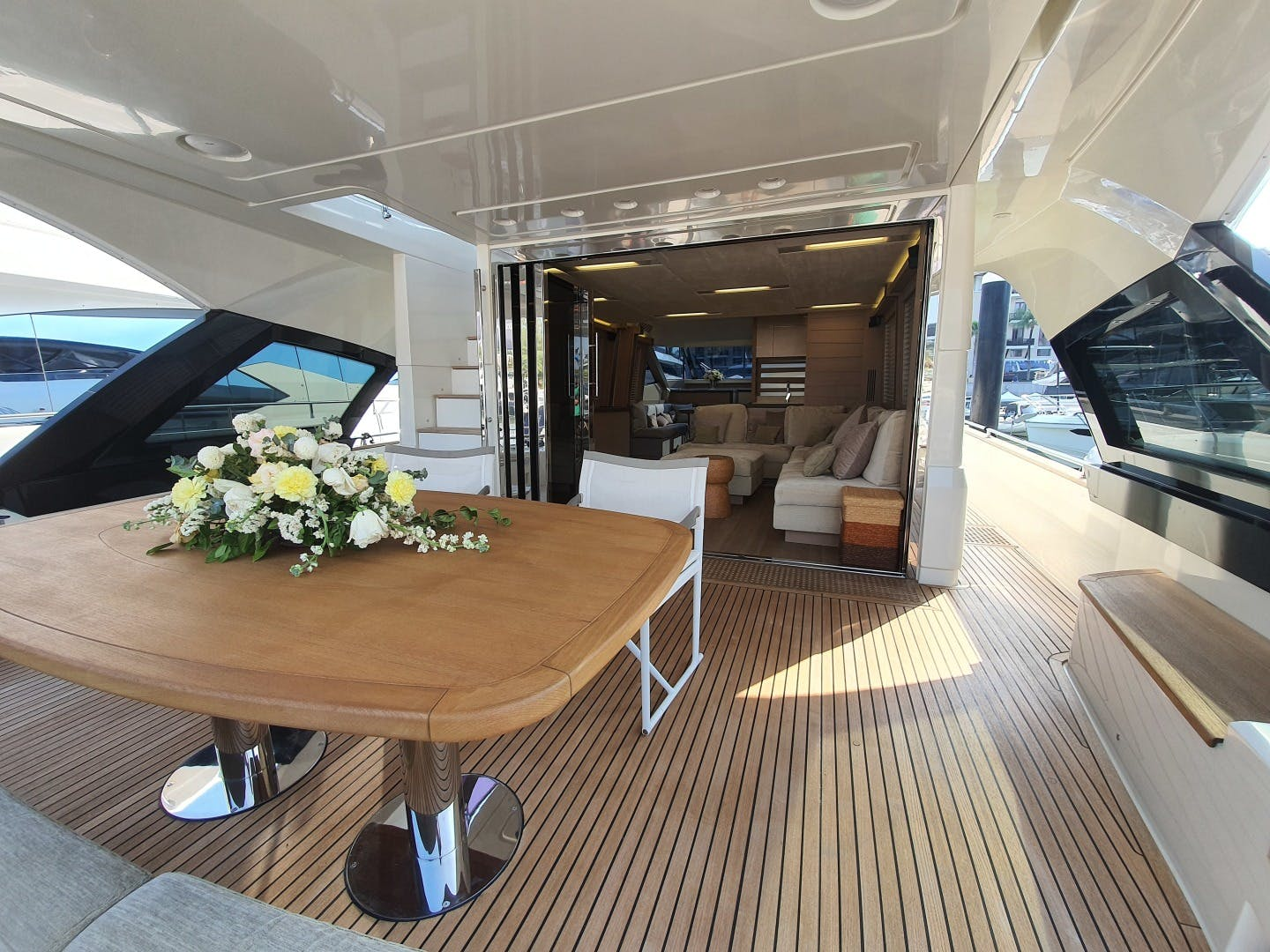 2015 Monte Carlo Yachts 70' Monte Carlo Yachts 70 Wasana | Picture 5 of 36