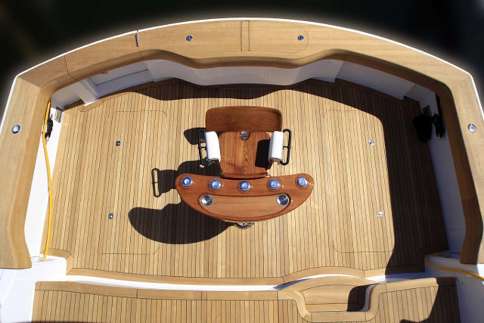 2022 Hatteras 70' GT 70  | Picture 2 of 27